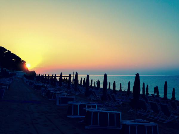 rt-cellelido-alba-ore-7-15-6-settembre-2014-celleligure-alba-cellelido-summer-italy-beach-sunrise-httpt-cougxv6ybhse